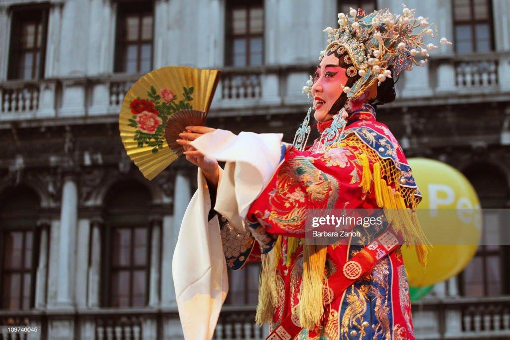 2011 Venice Carnival - Atmosphere : News Photo
