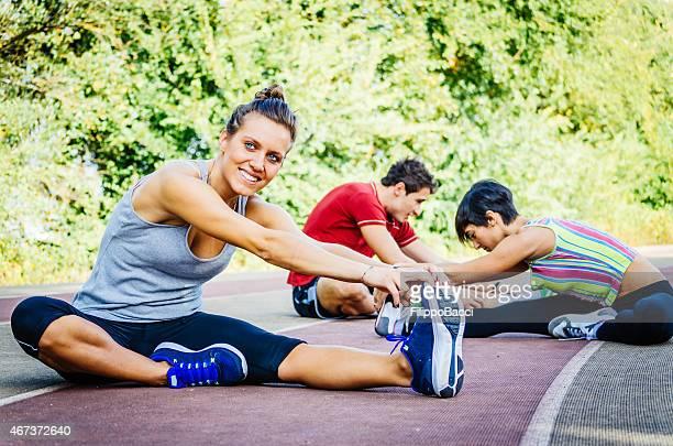 Dehnung für Sportler auf die Rennstrecke
