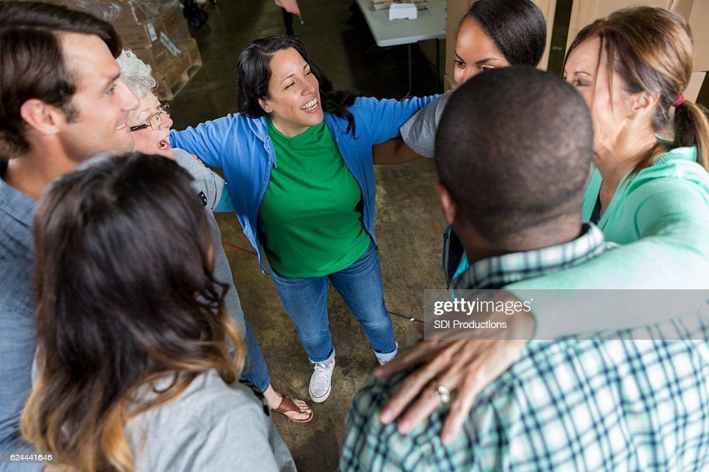 Group of business associates participate in team building outing : Stock Photo