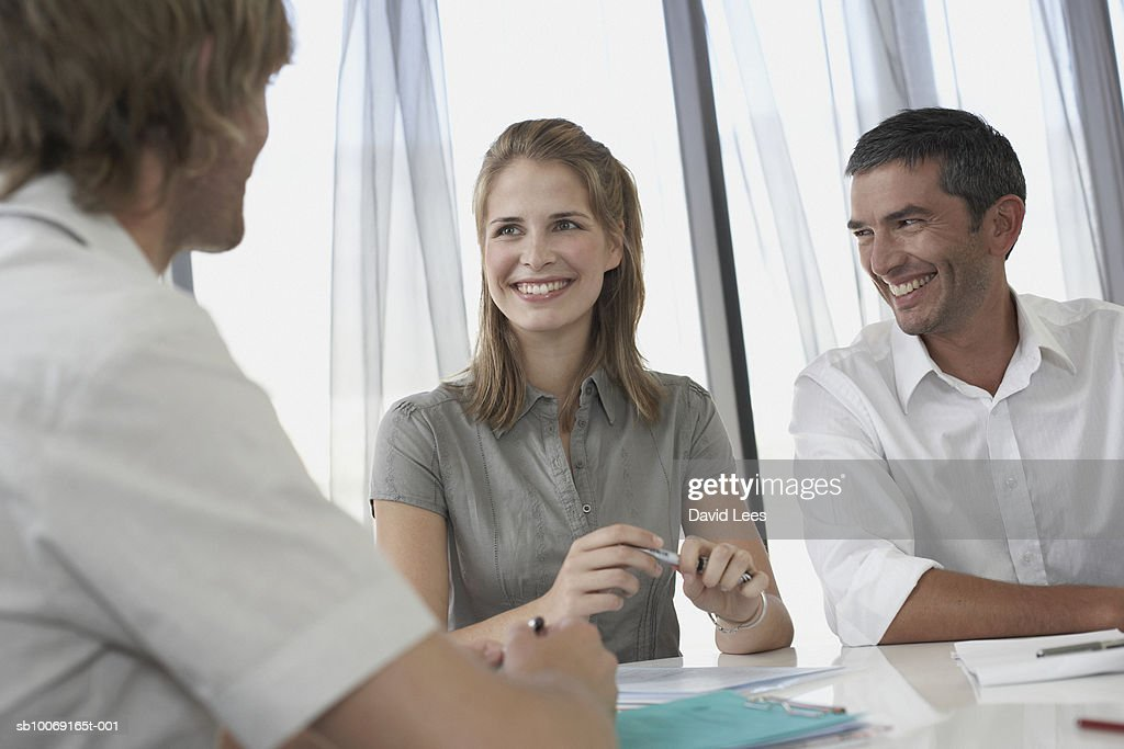 Group of business people talking : Stockfoto