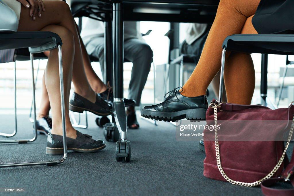 Group of businesswomen having meeting in boardroom : Stockfoto