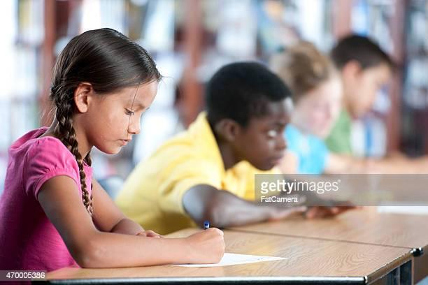 Gruppe von Kindern in Klasse
