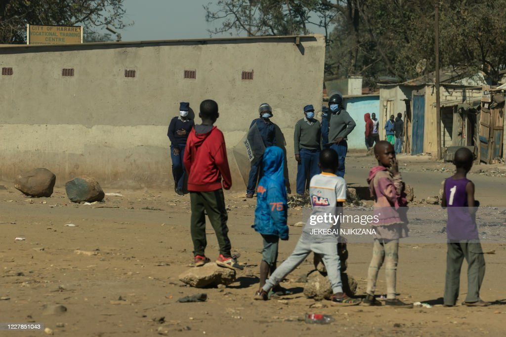 ZIMBABWE-POLITICS-UNREST : News Photo