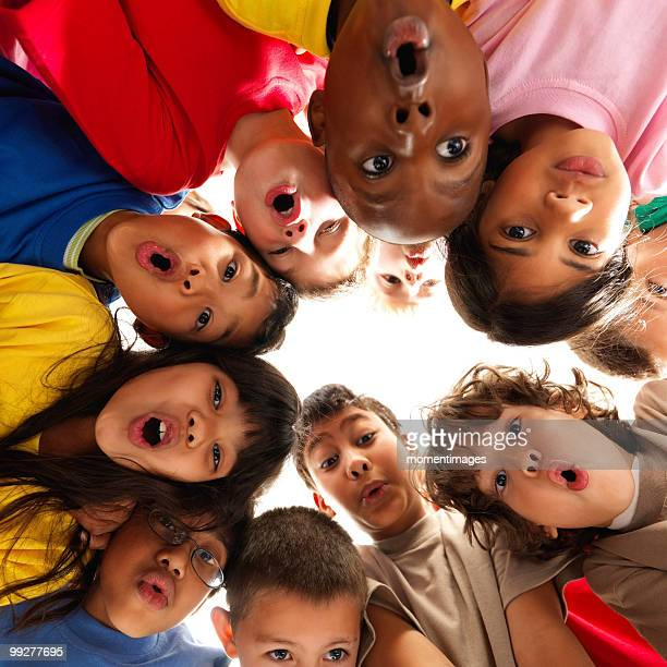group of children - surprise face kid - fotografias e filmes do acervo