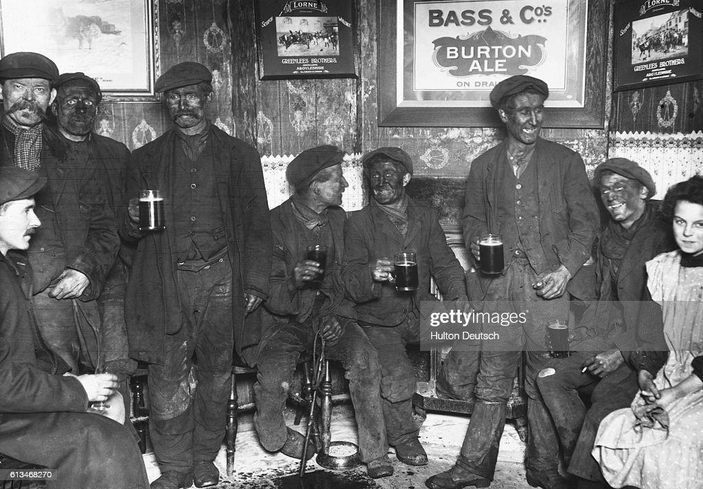 Enjoying Beer at Pub During Coal Strike : News Photo