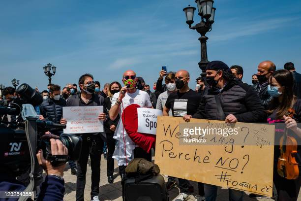 Group of deeejays protest on the Lungomare in front of the Puglia Region on the first day in the orange zone for lack of support from the wedding...