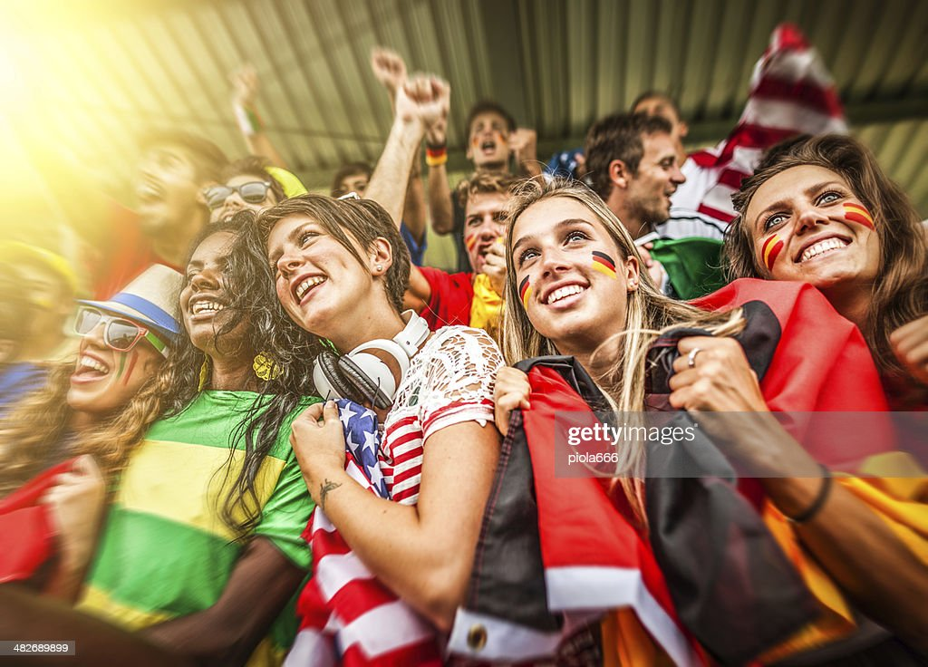 Gruppe von verschiedenen Nationen Fans zusammen : Stock-Foto