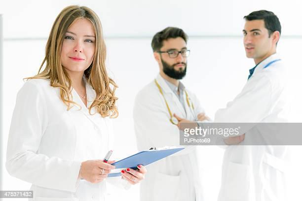 Gruppe von Ärzten im white