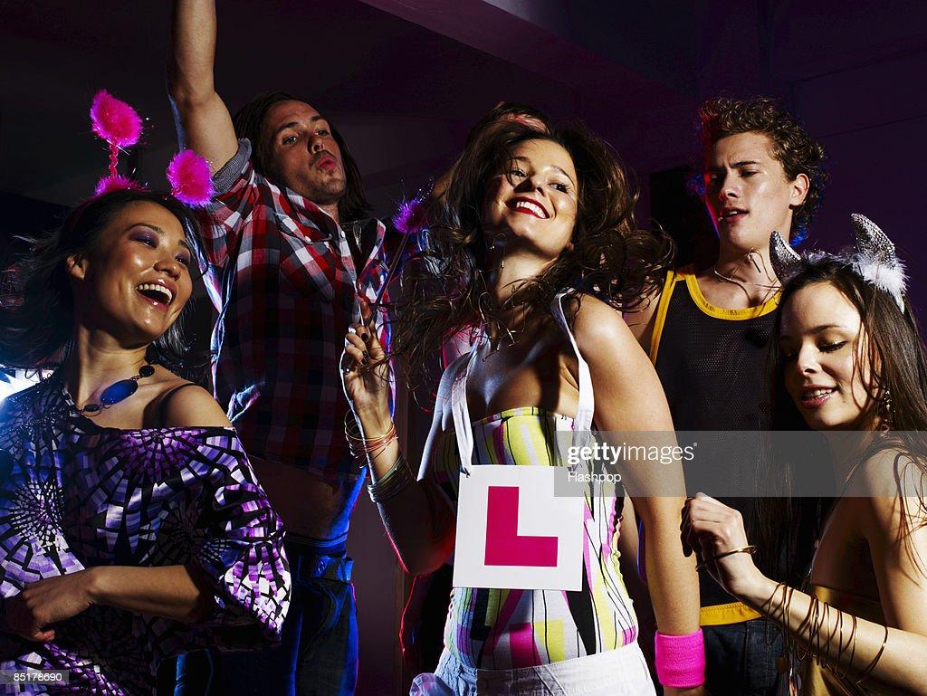 Group of friends dancing : Foto de stock