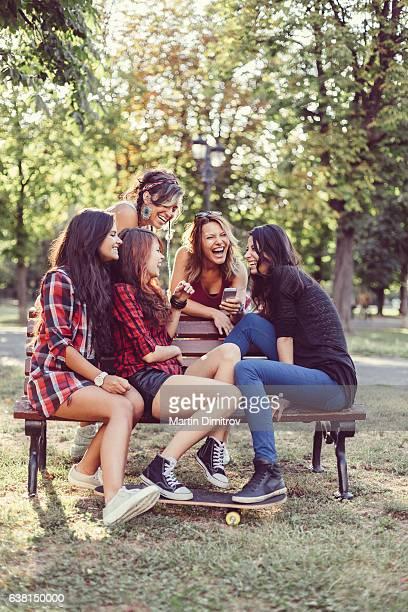 Groupe d'amis, passer du temps en famille