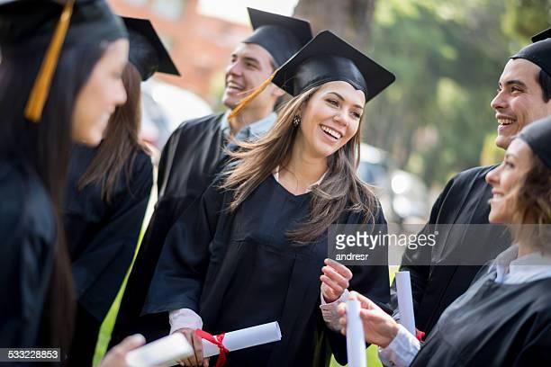 Gruppe von Studenten der Graduierung