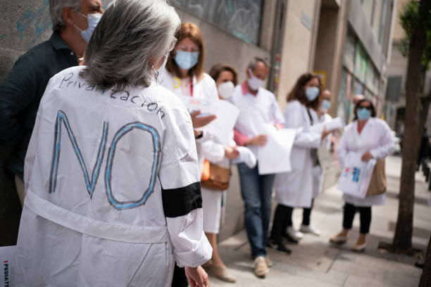 ESP: Demonstration In Defense Of Primary Care In Madrid
