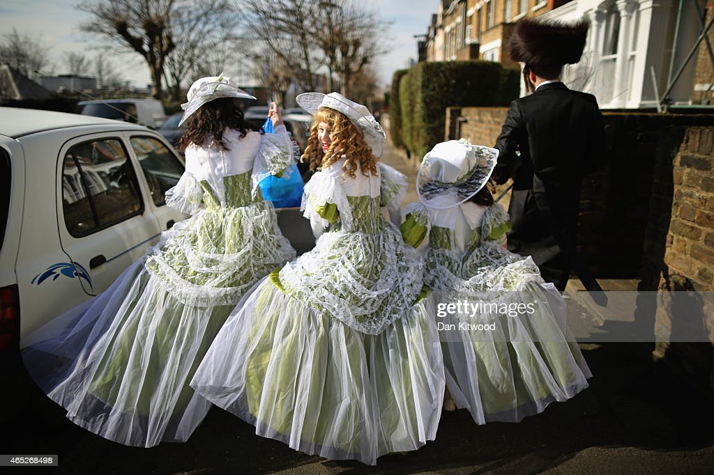 London's Jewish Community Celebrate Purim : News Photo