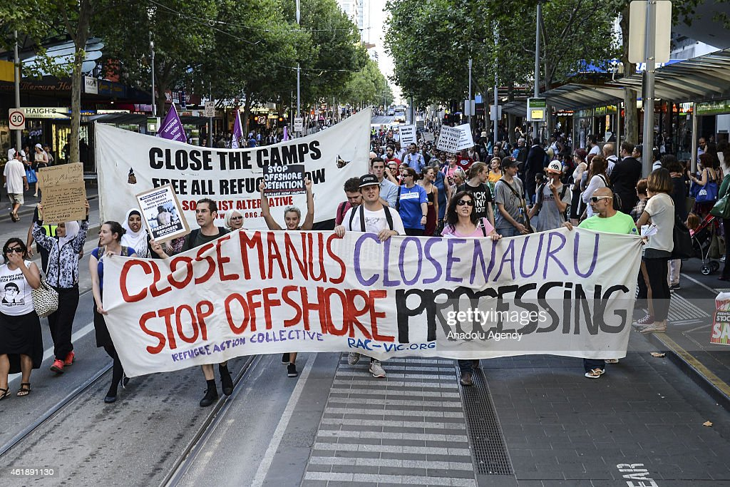 Protest in Melbourne to support Manus Island asylum seekers : News Photo