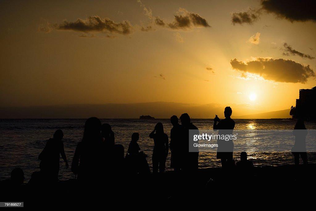 Group of people on the beach, Waikiki Beach, Honolulu, Oahu, Hawaii Islands, USA : Foto de stock