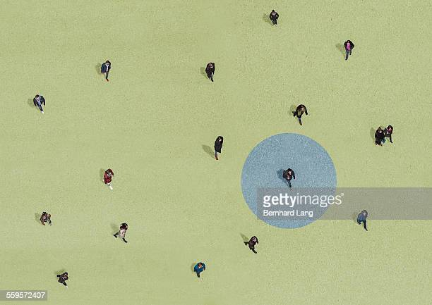 group of people walking, aerial views - individualität stock-fotos und bilder
