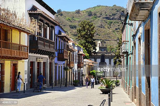 group of people walking through teror in gran canaria (spain) - grand canary stock pictures, royalty-free photos & images
