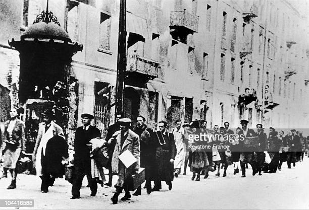 Group of Polish Jews from Warsaw's ghetto forced by Nazis to go to death camps, around 1940.