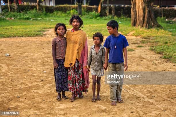 Groupe d'enfants indiens pauvres à Pokhara, Népal