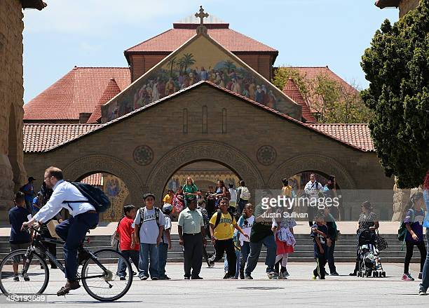A group of school kids tours the Stanford University campus on May 22 2014 in Stanford California According to the Academic Ranking of World...