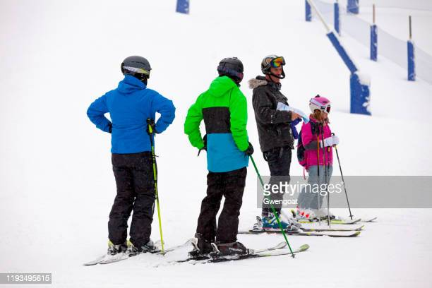 group of skiers in grandvalira - gwengoat stock pictures, royalty-free photos & images