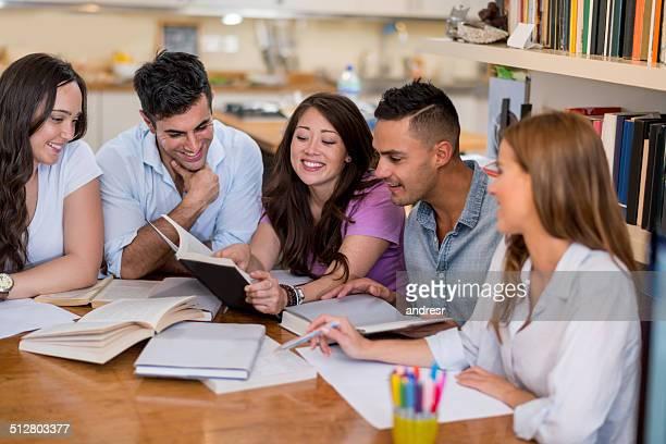 学生グループ