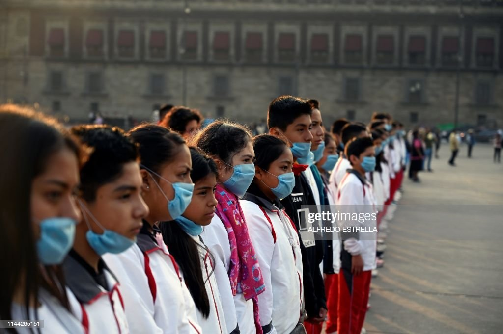 TOPSHOT-MEXICO-AIR-POLLUTION : News Photo