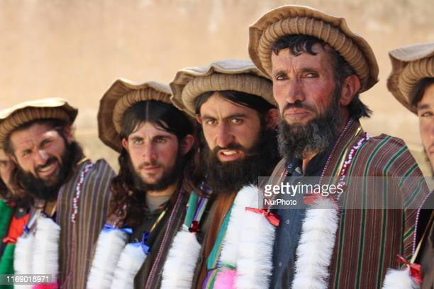 Group of Taliban in Badakhshan province have dropped weapons and joined the Afghan government.They join the government after US-Taliban peace talks...