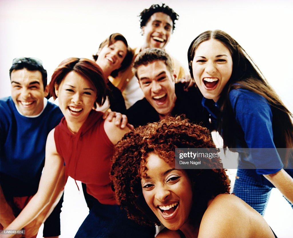 Group of teenagers (17-19) smiling, portrait : Bildbanksbilder