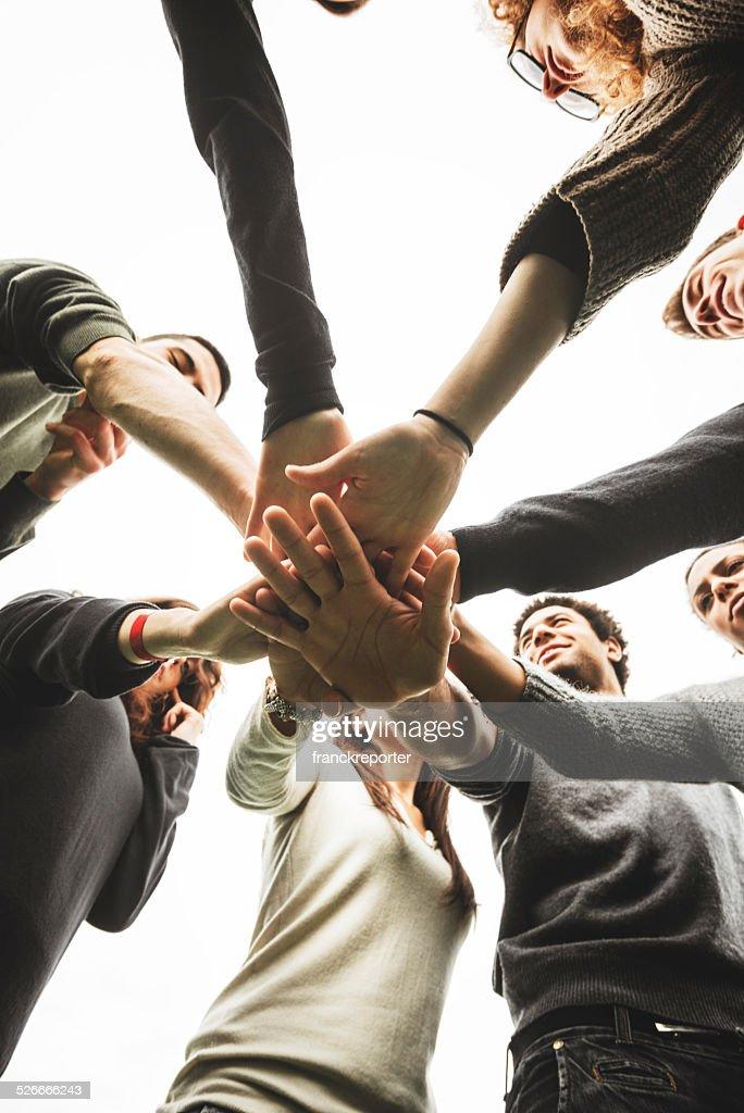 Gruppo di adolescenti di volontariato : Foto stock