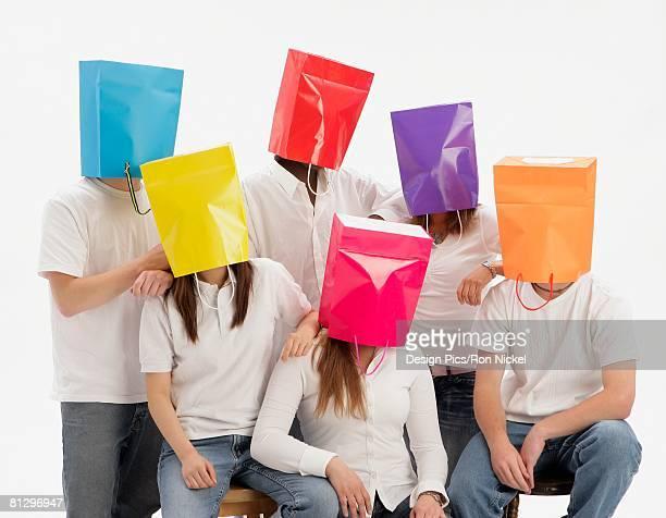 group of teens with color blindness - color blindness - fotografias e filmes do acervo