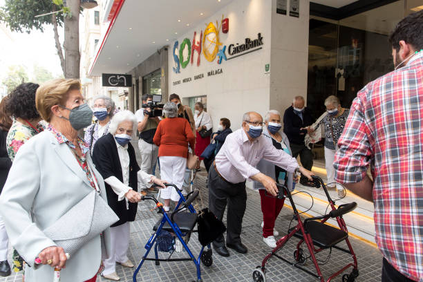 ESP: Antonio Banderas Invites 350 Elderly Vaccinated People To The CaixaBank Soho Theater