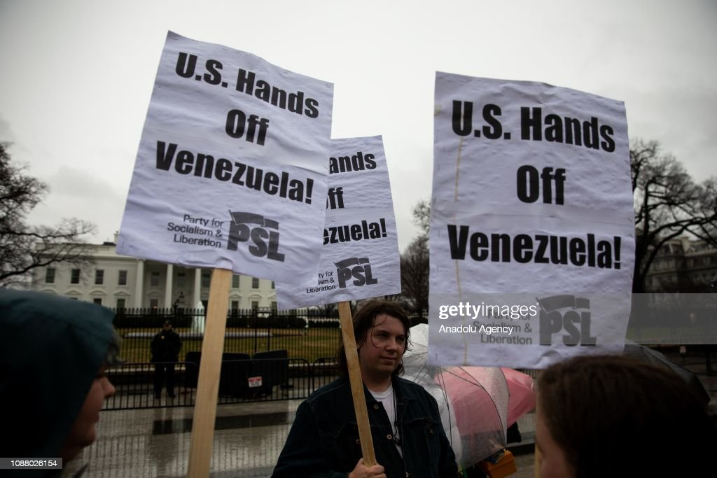 Protest in front of White House : News Photo