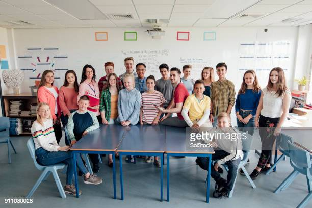 group photo at school - organised group stock pictures, royalty-free photos & images