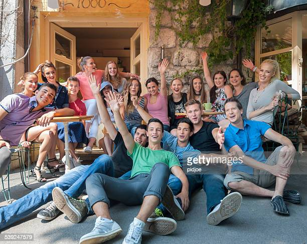 group photo of cheerful friends on vacation - organized group photo stock pictures, royalty-free photos & images