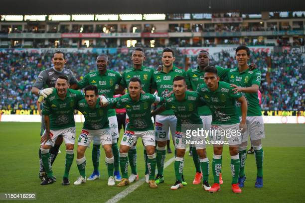 Group photo of Leon during the semifinals second leg match between Leon and America as part of the Torneo Clausura 2019 Liga MX at Leon Stadium on...