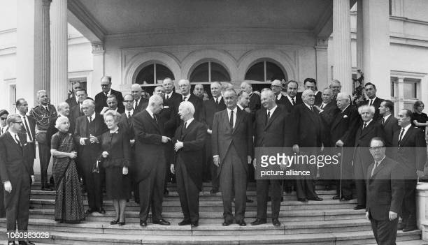 Group picture of the guests of former chancellor Konrad Adenauer's funeral on the 25th of April in 1967 The picture shows chancellor Kurt Georg...