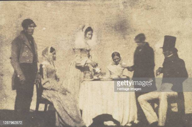 Group Taking Tea at Lacock Abbey, August 17, 1843. Artist William Henry Fox Talbot.