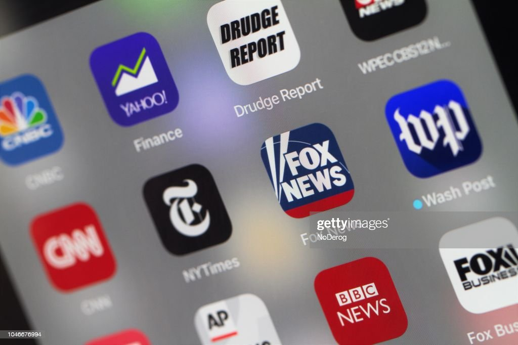 Grouping Of Popular News Mobile Apps Stock Photo - Getty Images