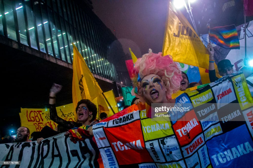 """Groups linked to the LGBT movement (Lesbian, Gay, Bisexual and Transgender) protested on 29 September 2017 on Avenida Paulista, central region of Sao Paulo, Brazil, against a decision by a judge of the Federal District that released the reversion therapies, also known as """"gay cure."""" Last Monday (18), DF Justice began to allow psychologists to treat the LGBT population as patients, releasing the realization of """"reversion therapies"""". This type of treatment was prohibited since 1999 by a resolution of the Federal Council of Psychology. The organ said it will appeal."""