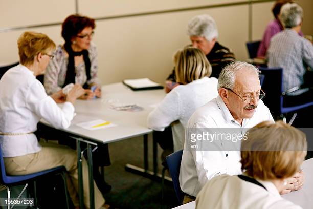Grupos de jubilados Naipes