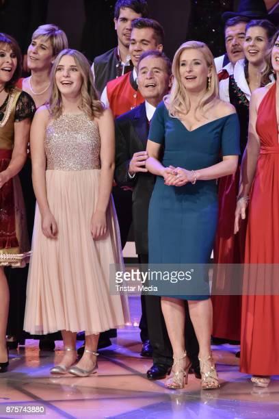 Top Weihnachtslieder.60 Top Stefanie Hertel Die Grosse Show Der Weihnachtslieder Pictures