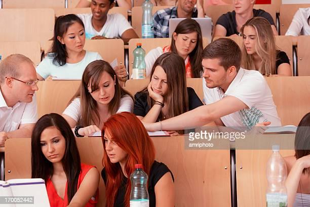 groupwork studentes auditorium
