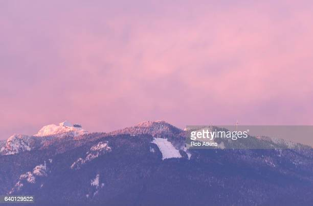 grouse mountain - grouse mountain stock photos and pictures