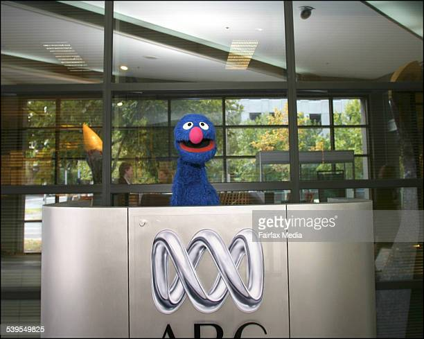 Grover the muppet at the ABC Studios Southbank 7th March 2005 AGE METRO Picture by CATHRYN TREMAIN