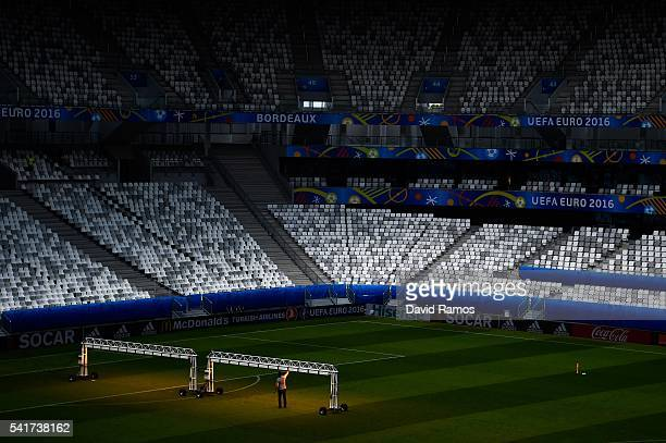 Grow lights are seen on the pitch at the Stade Matmut Atlantique ahead of the UEFA Euro 2016 Group D match between Croatia and Spain on June 20, 2016...