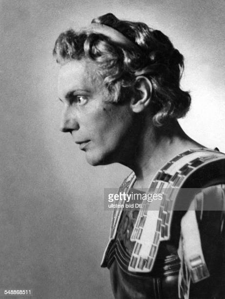 Gruendgens Gustaf Director Actor Germany *22111899 as Alexander the Great in the drama of the same name by Hans Baumann Staatliches Schauspielhaus...