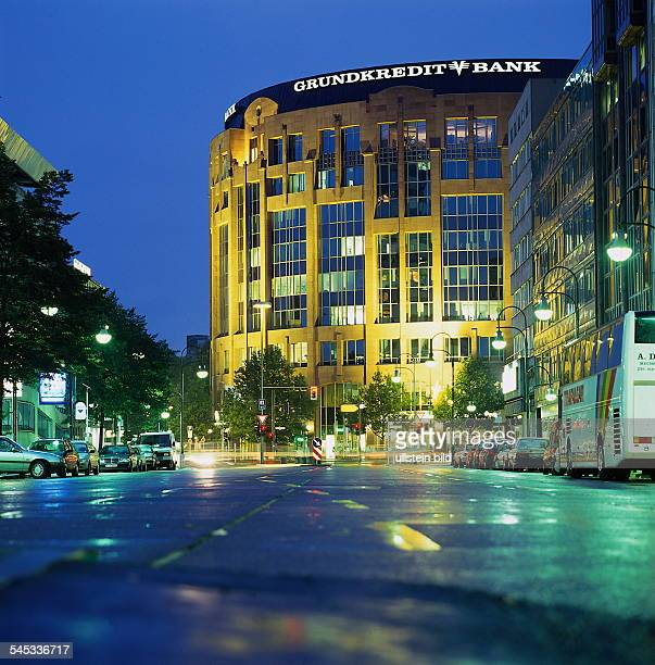 Grundkreditbank am Abend 1996