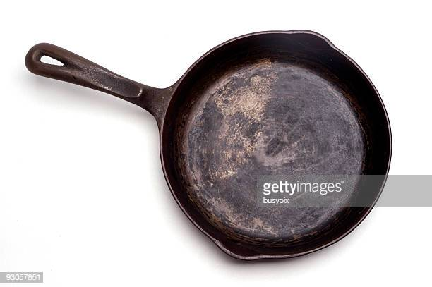 grungy cast iron skillet - cooking pan stock pictures, royalty-free photos & images