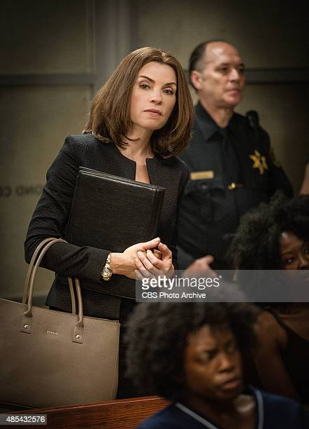 'Grunts' Alicia attempts to revive her struggling law career by representing arrestees seeking release on bail in bond court where she meets attorney...